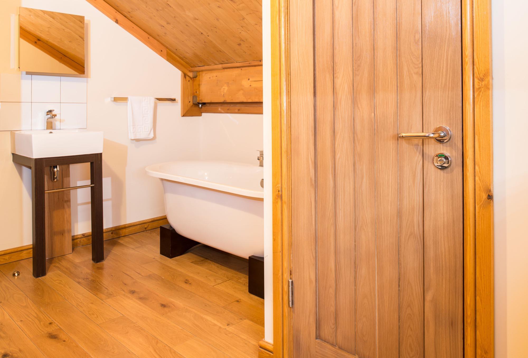 log cabin yorkshire, Hot tub lodge Yorkshire