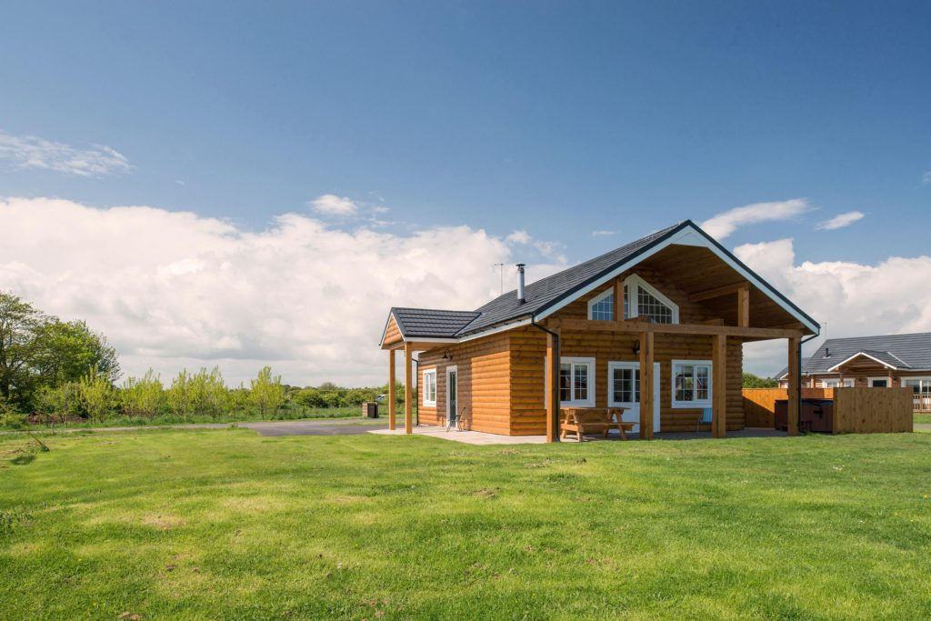 log cabin yorkshire, hot tub lodge Yorkshire