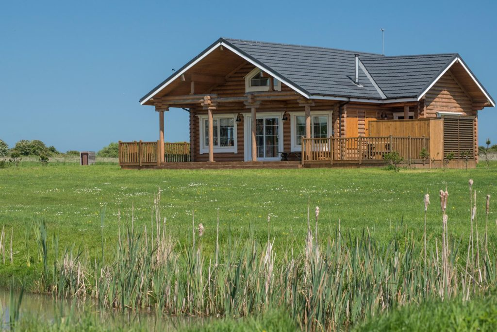 coastal lodges, log cabin yorkshire, Hot tub lodge Yorkshire