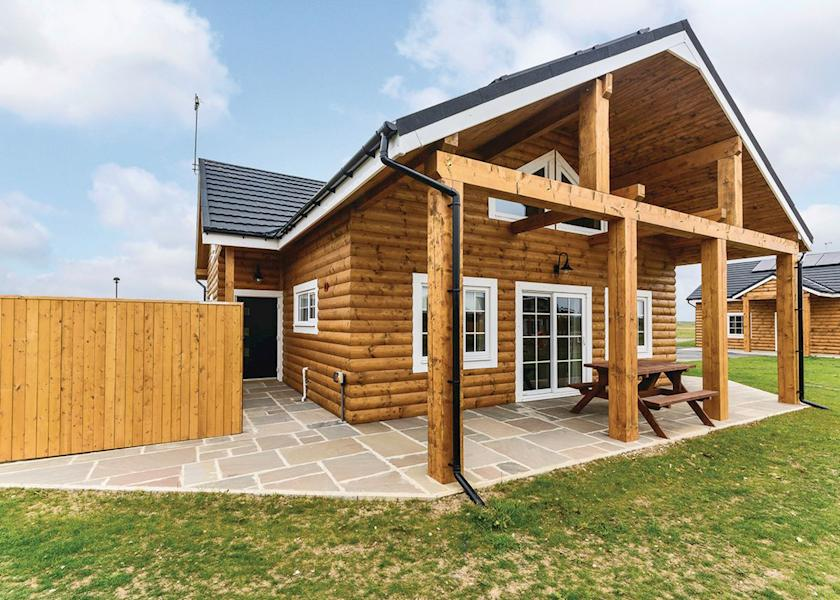 luxury lodges east yorkshire, hot tub lodge yorkshire